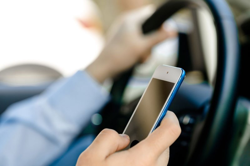 Tips to Avoid Distracted Driving and Auto Insurance in Lombard, IL