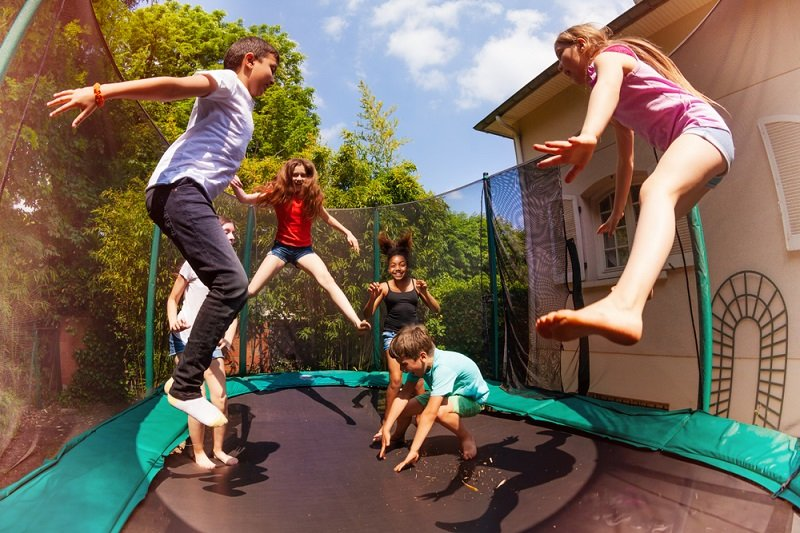 how-homeowners-insurance-affect-your-trampoline-buying-decisions